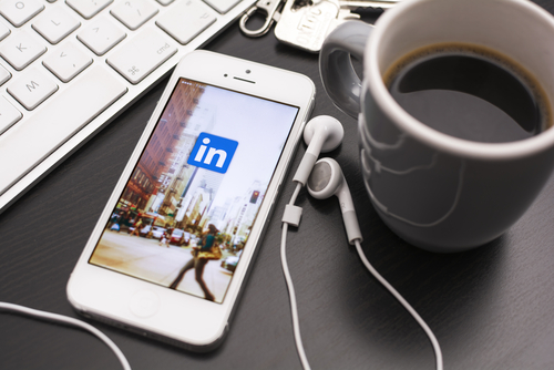 How To Promote Your Blog On LinkedIn - 4 Steps To Massive Traffic