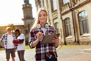 The Life-Changing Benefits of Completing a Diploma in Social Media